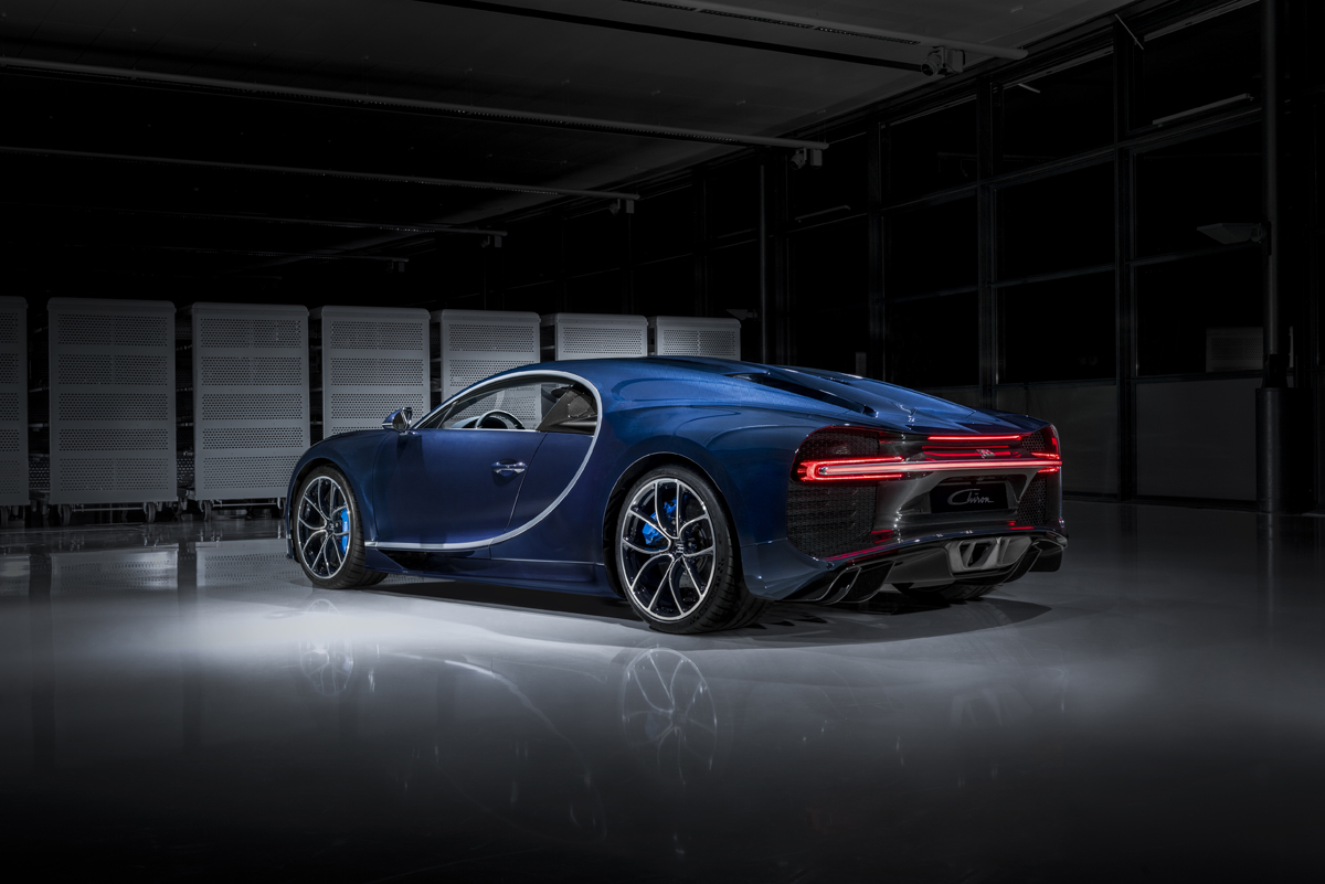 "Image Bugatti Chiron in ""Bleu Royal"" carbon fibre"
