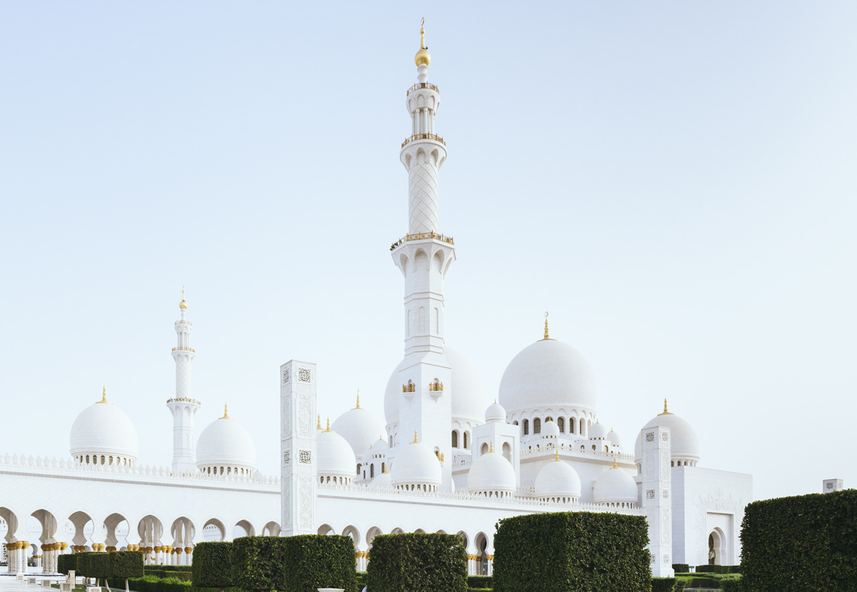 Image-building-Sheikh-Zayed-Grand-Mosque-outside-1